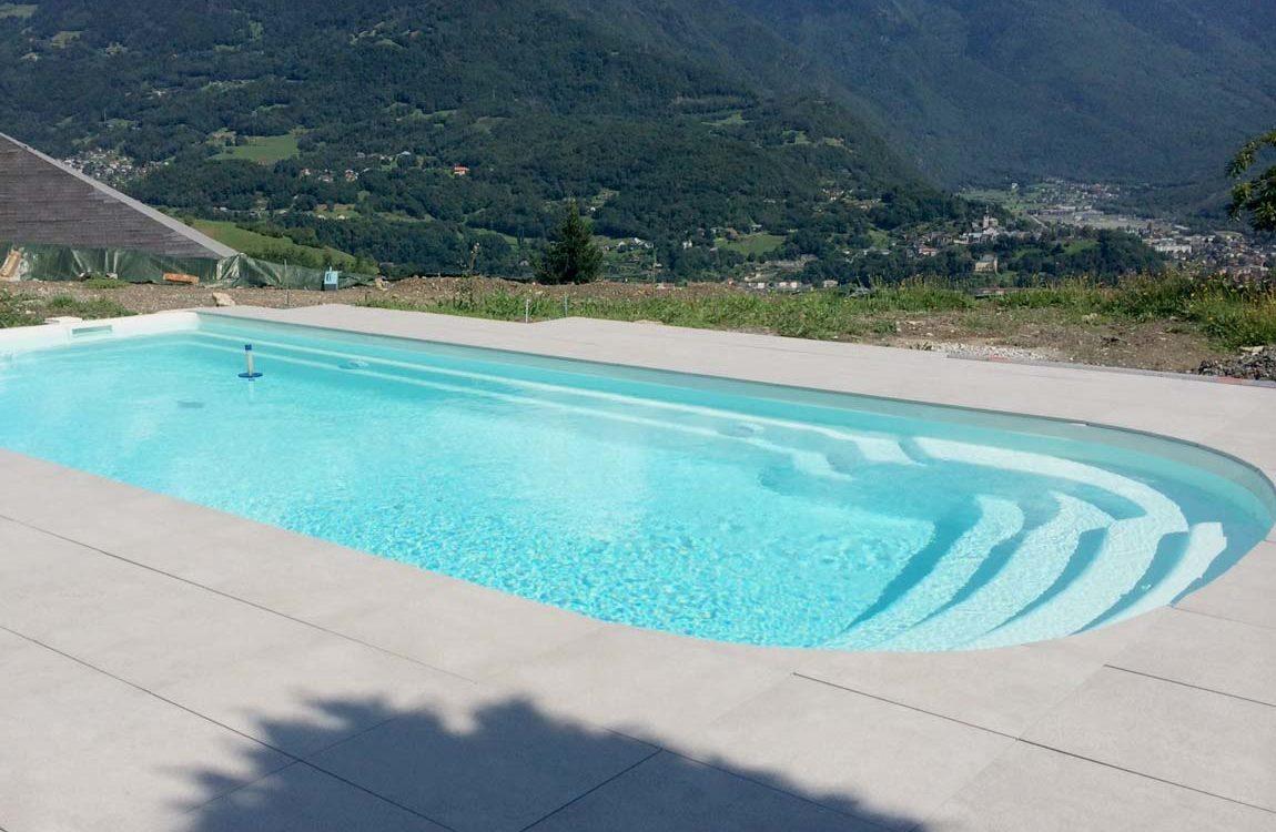 Construction d'une piscine à coque en montagne, autour de Grenoble
