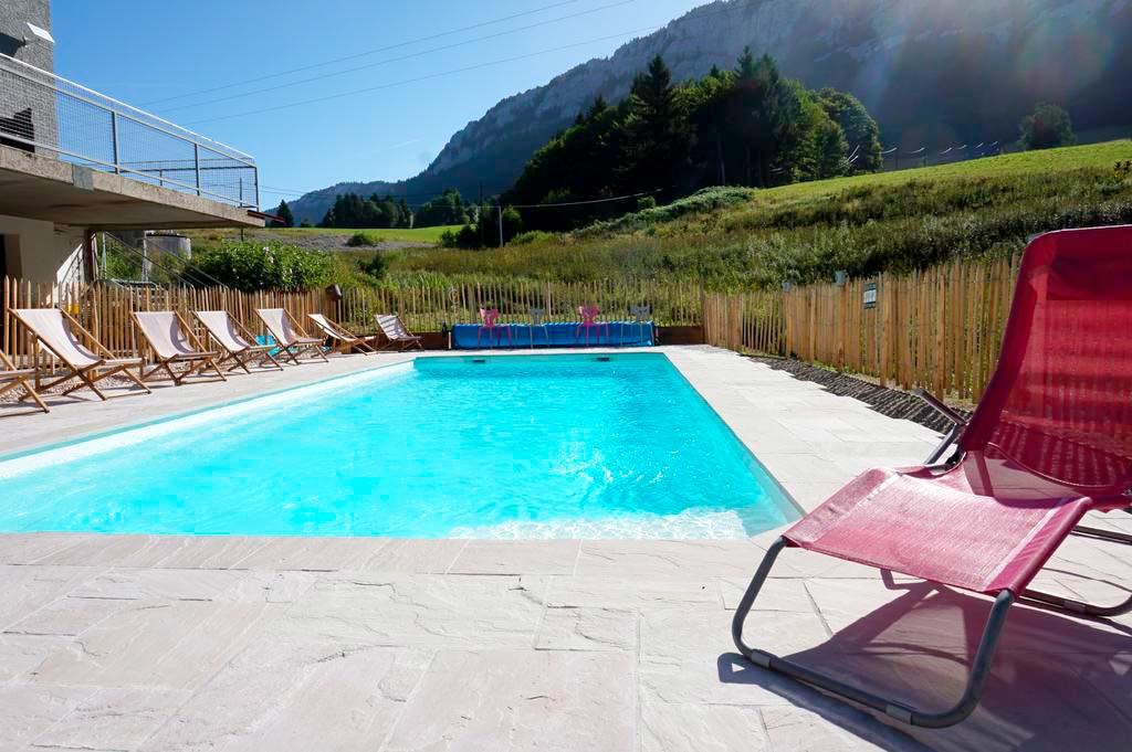 Construction d'une piscine à l'hôtel de Rencurel