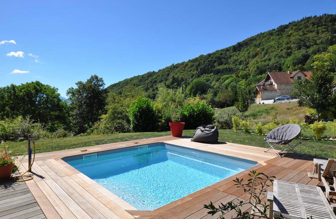Construction d'une petite piscine à coque à Saint Aupres