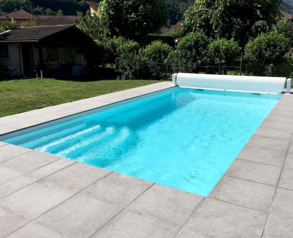 Construction d'une piscine à coque et d'un volet hors sol à Villard Bonnot