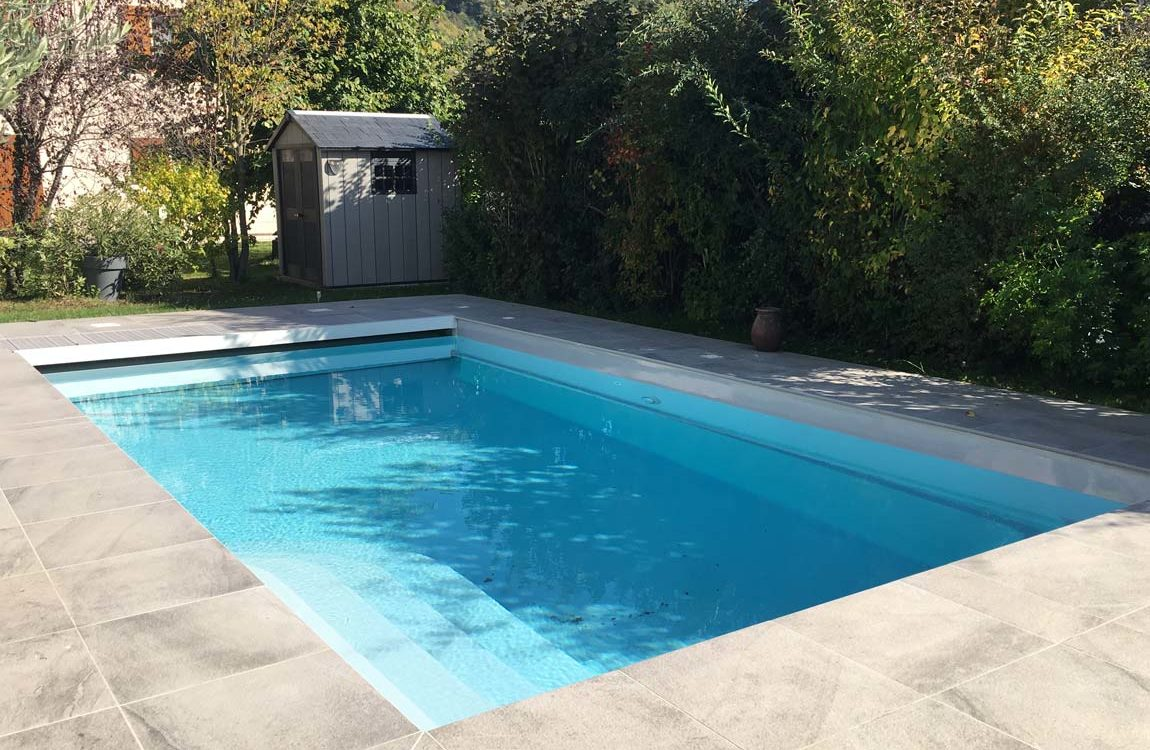 Construction piscine à coque et volet immergé à voiron
