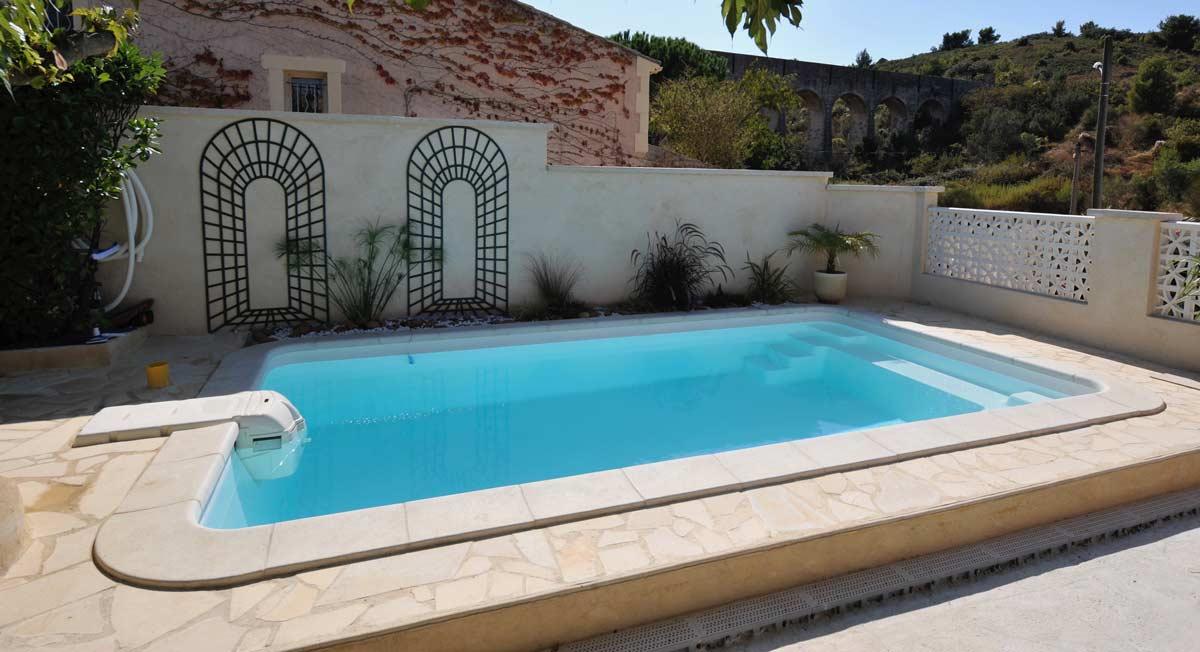 kit piscine prêt à poser avec bloc de filtration Grenoble