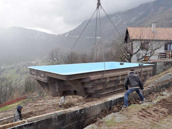 Livraison et pose d'une piscine à coque à Notre Dame de Commiers