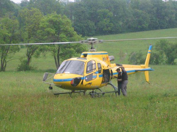 Livraison et pose d'une piscine par hélicoptère à Mens