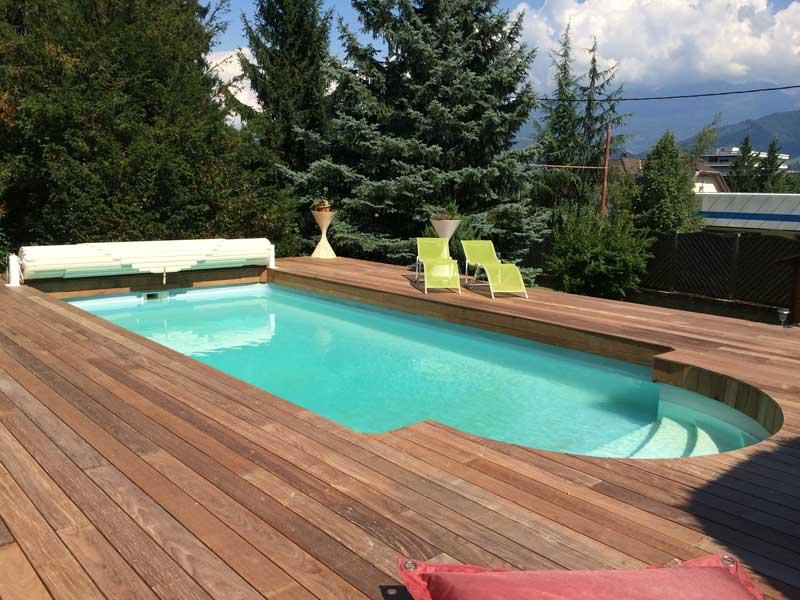 Rénovation terrasse bois autour de la piscine