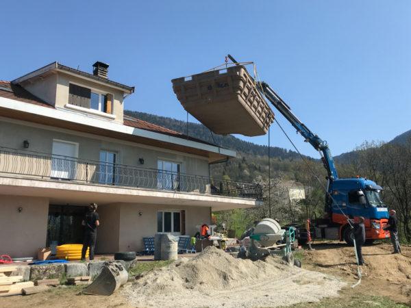 Livraison et installation d'une piscine à coque à Vaulnavey-Le-Haut