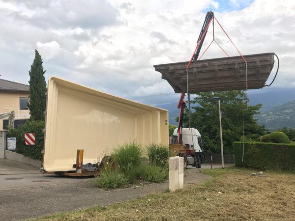 Livraison d'une piscine à coque sur la commune de Bernin